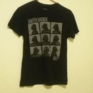 Star Wars Darth Vader T-shirt - Size Small
